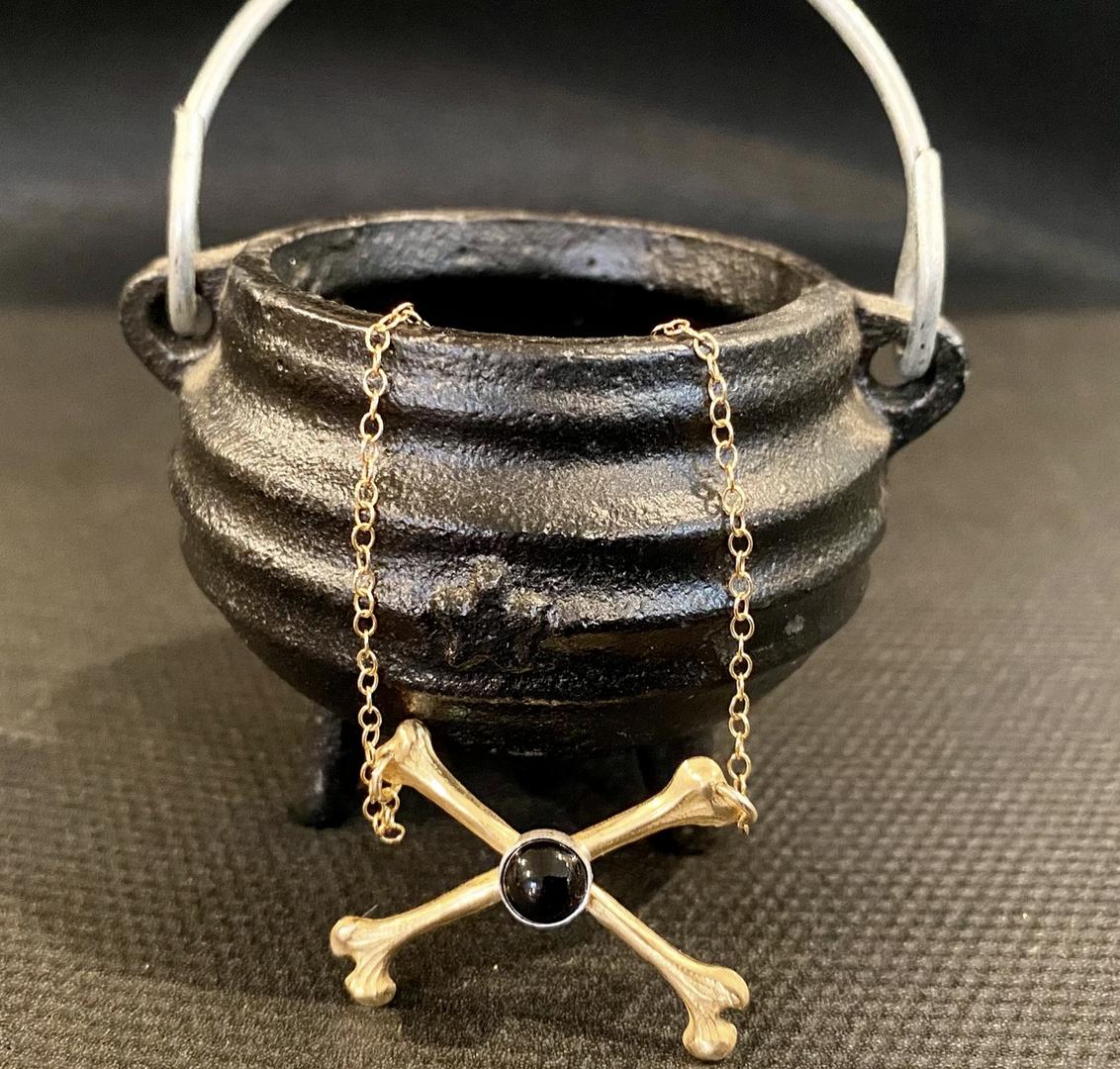 Metrix Jewelry Crossbone Onyx Necklace