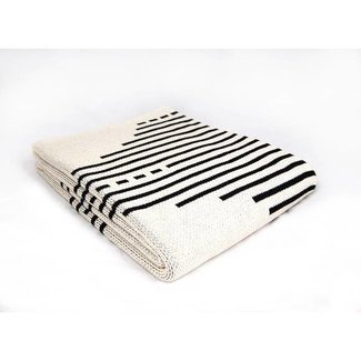 seek & swoon reika throw white
