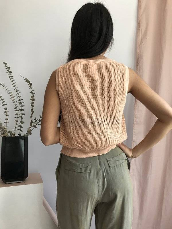 Eve Gravel Eve Gravel - Peach Knit Crop Top 'Chutes'