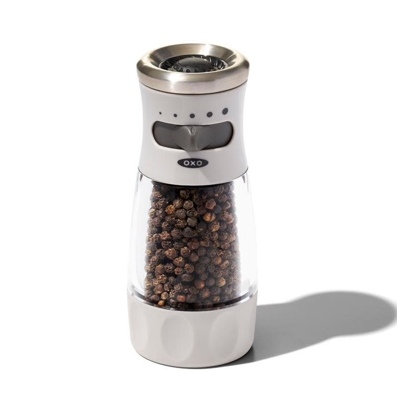 OXO OXO Adjustable Mess-Free Pepper Grinder