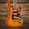 Limited Edition American Pro Stratocaster, Rosewood Fingerboard, Honeyburst S/N US18013815