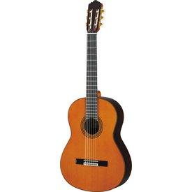 Yamaha Yamaha GC22C Handcrafted Cedar Classical Guitar W/Case