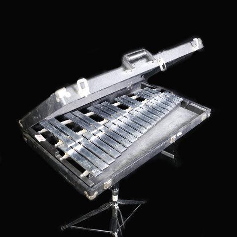Deagan #1590 model 2.5-oct. Glockenspiel w Stand