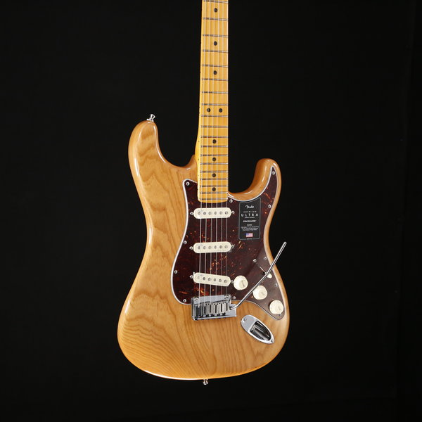 Fender Fender American Ultra Stratocaster Maple Fb, Aged Natural US19080156 8lbs 4.9oz