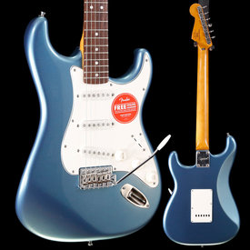 Squier Squier Classic Vibe 60s Stratocaster, Lake Placid Blue CGRK19000732 7lbs 8.6oz