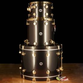 "DW DROPSHIP DW Drum Workshop Collector's Series 12"" 16"" 24"" Black w/ Gold Hardware - Demo"
