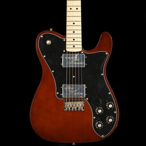 Classic Series '72 Telecaster Deluxe, Maple Fingerboard, Walnut