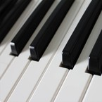 PIANO & KEYBOARD