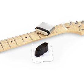 Fender Fender Speed Slick Guitar String Cleaner, Black/Silver