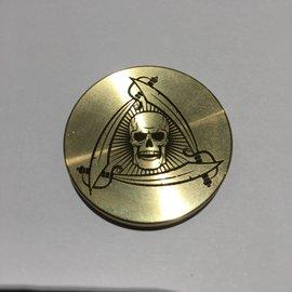 Ronjo Okito Box Lid Skull And Swords, Half Dollar