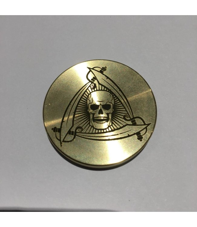 Ronjo Okito Box Lid Skull And Swords, Half Dollar