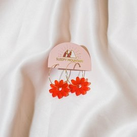 Sleepy Mountain Frosted Red Daisy Earrings