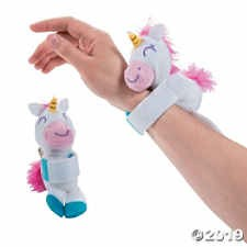 FUN EXPRESS Plush Hugging Unicorn