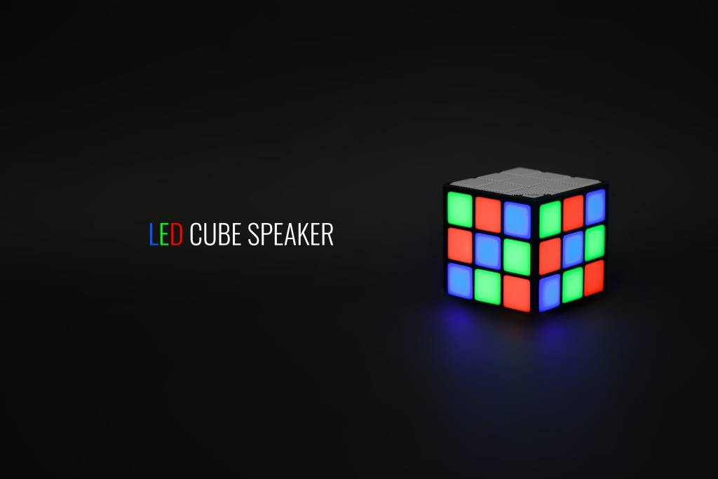 THUMBS UP THUMBS UP:  LED CUBE SPEAKER