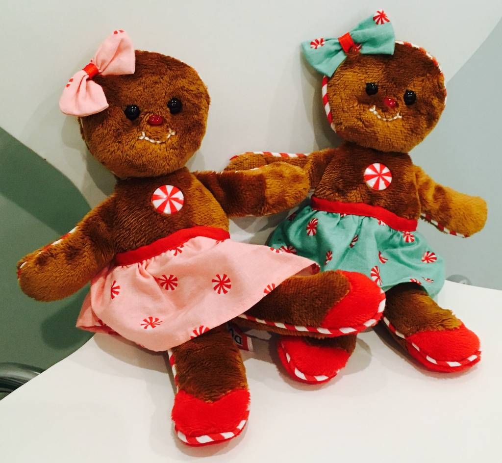 DOUGLAS: Gingerbread Girl (Pink or Green)