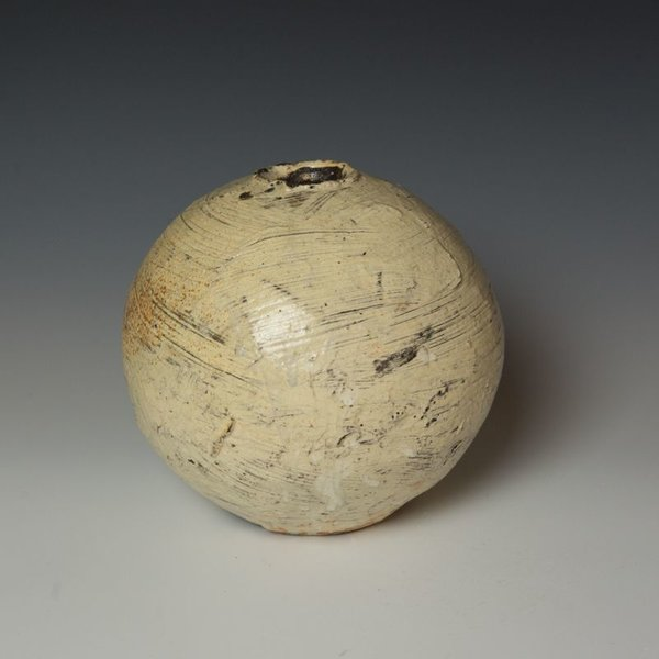 Hunt and Dalglish Michael Hunt & Naomi Dalglish, Sphere, hakame slip, clear glaze