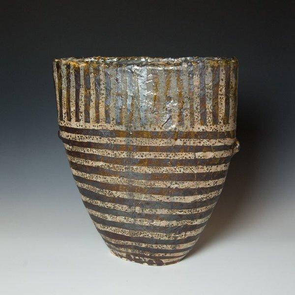 Hunt and Dalglish Michael Hunt & Naomi Dalglish, Giant Shield Vase, wax resist, iron wash,