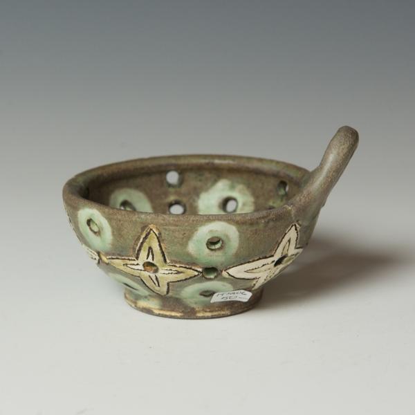 """Berry Bowl Juana Gnecco, Berry Bowl, stoneware, 3 x 5 x 4.25"""""""