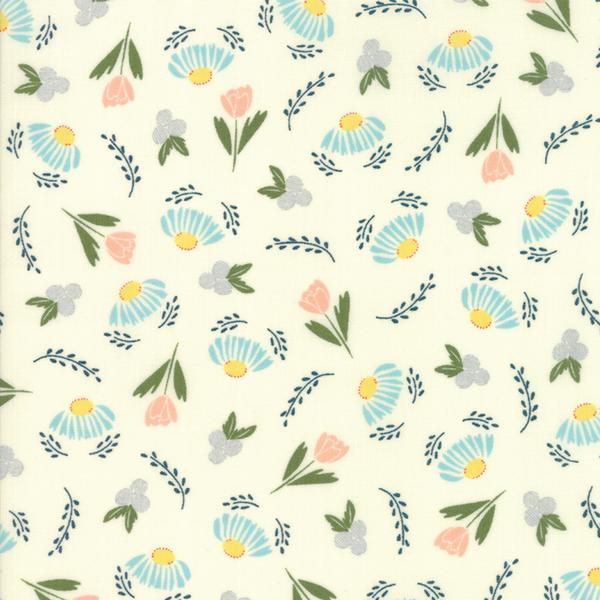 Moda Fabrics - Clover Hollow / Small Flowers / White / 37551-12