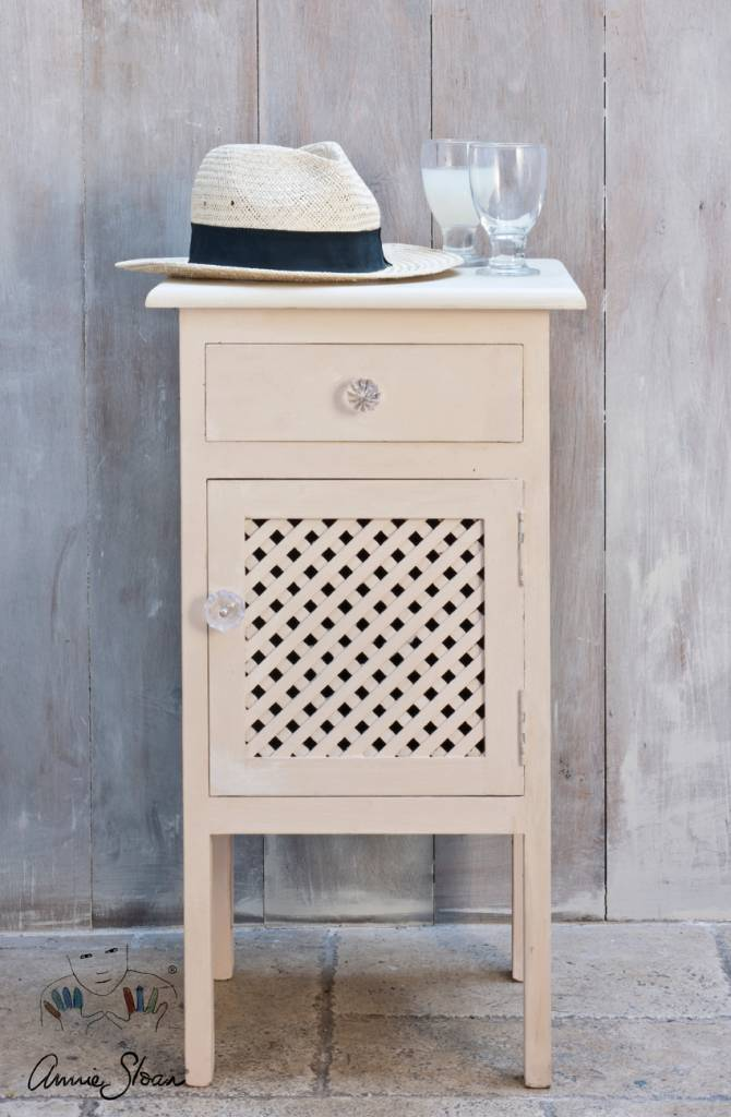 Old Ochre Chalk Paint by Annie Sloan