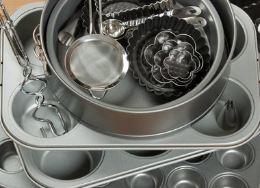 Bakeware and Cake Pans