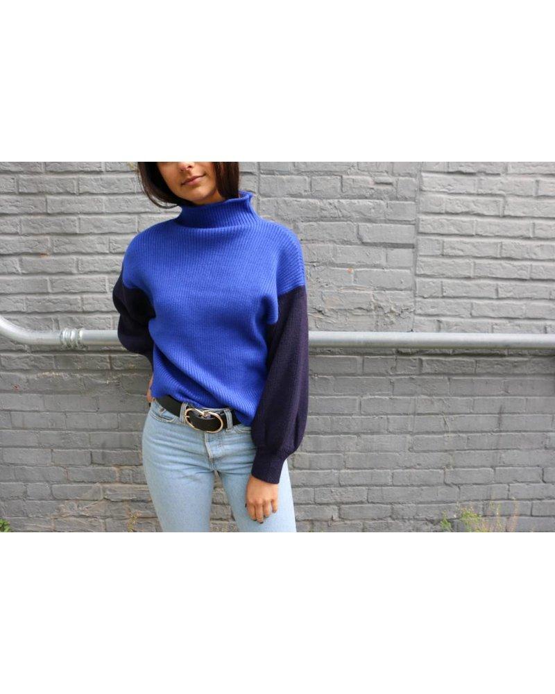 ontwelfth stella sweater