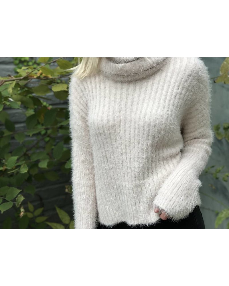 fate Colette Sweater