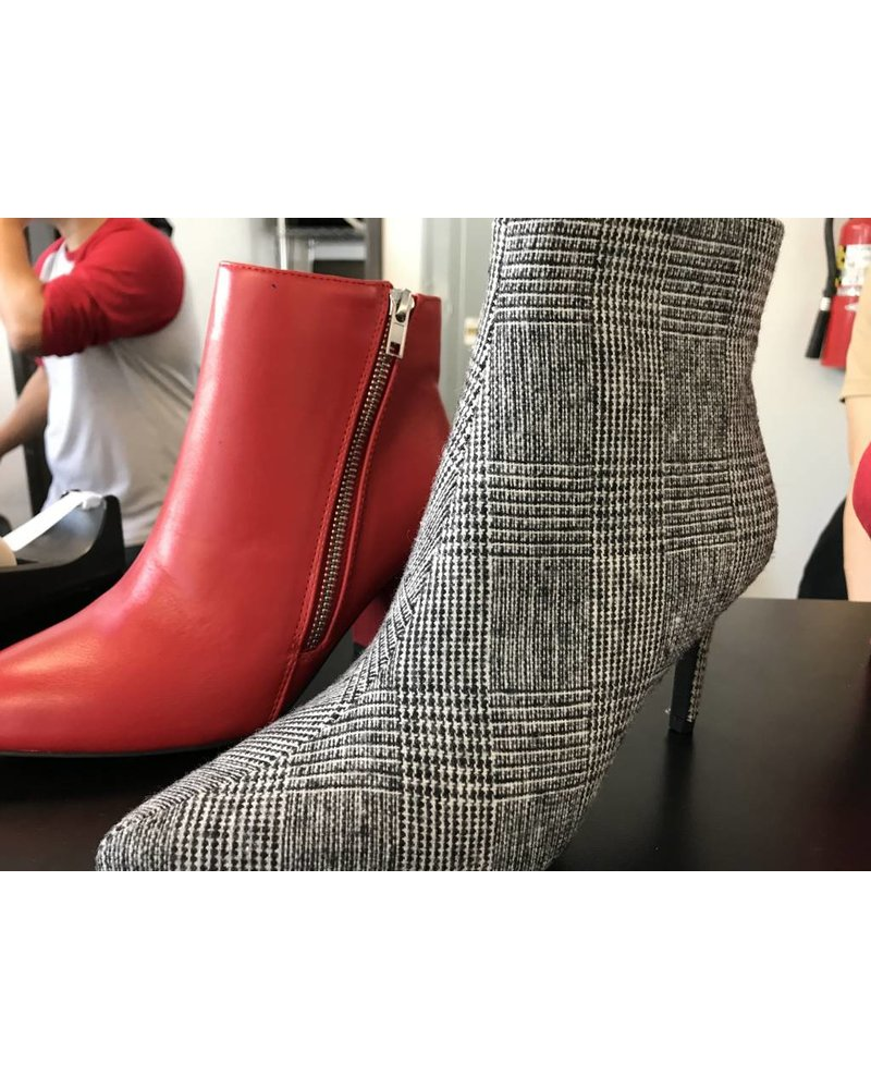 Joia chiko red boots