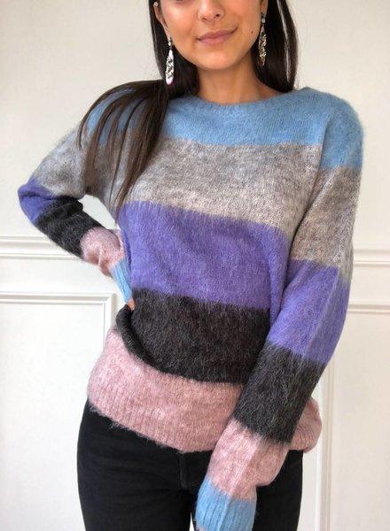En Creme amari sweater