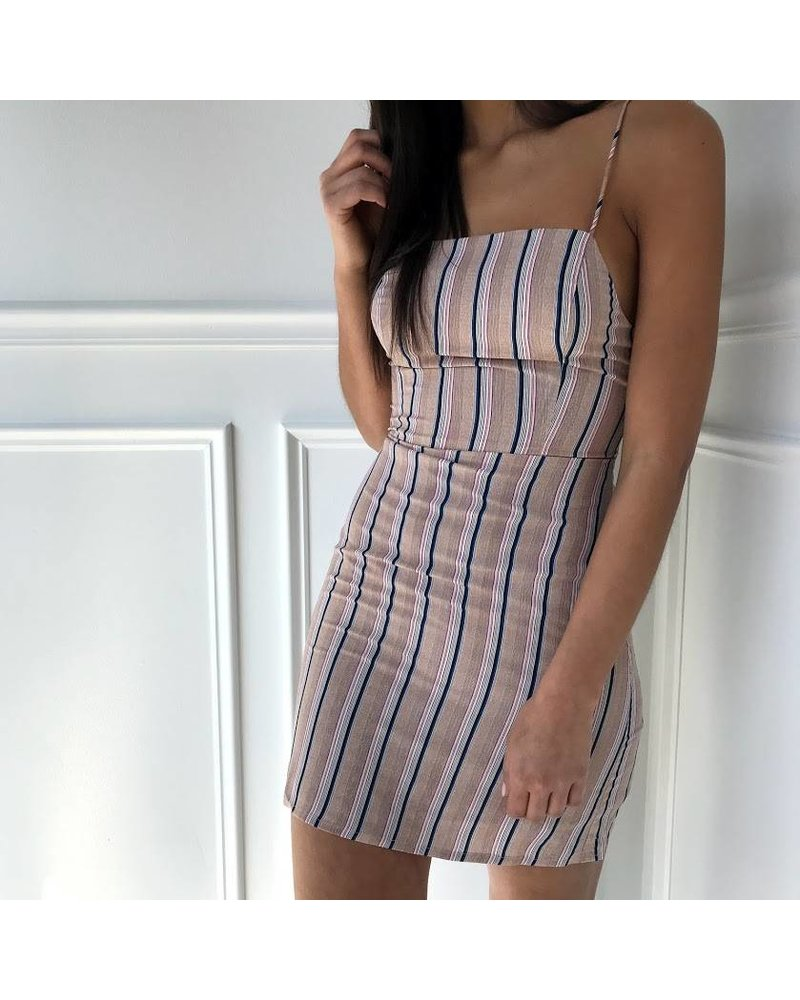 Honey Punch 7id3528a top tie stripe dress