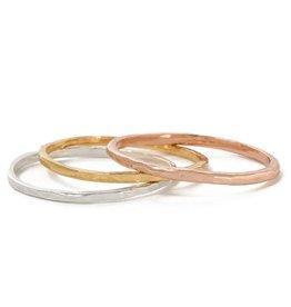 BING BANG Delicate Hammered Ring