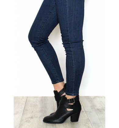 ZOEY BLACK CUTOUT BOOTIES