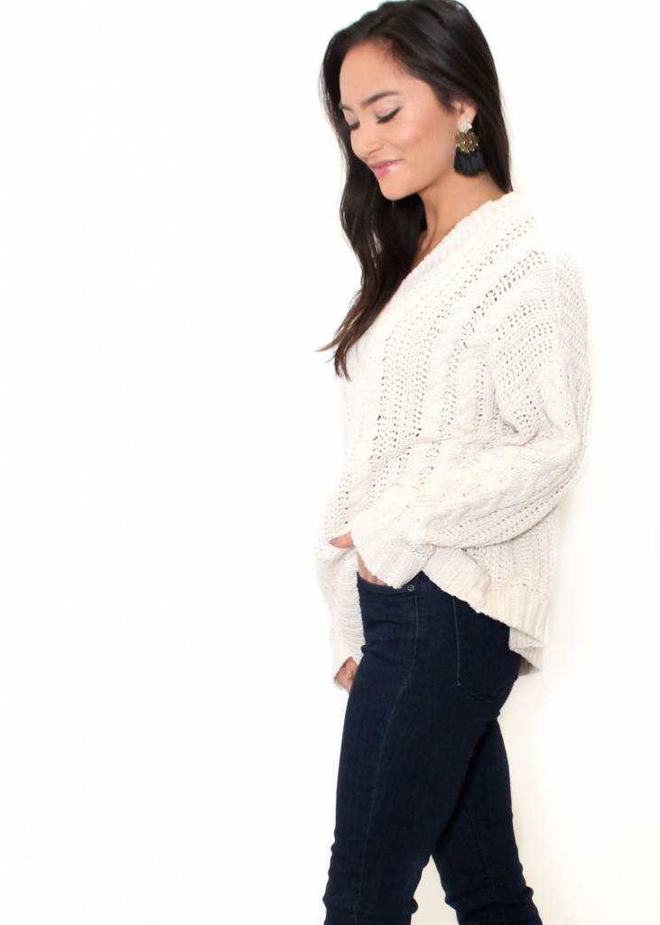 BLAKE OVERSIZED KNIT SWEATER