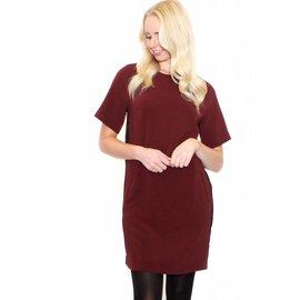 MABEL BURGUNDY SHIFT DRESS