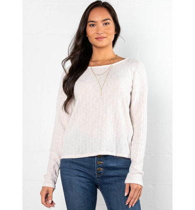 MORE TO LOVE TWIST BACK TOP