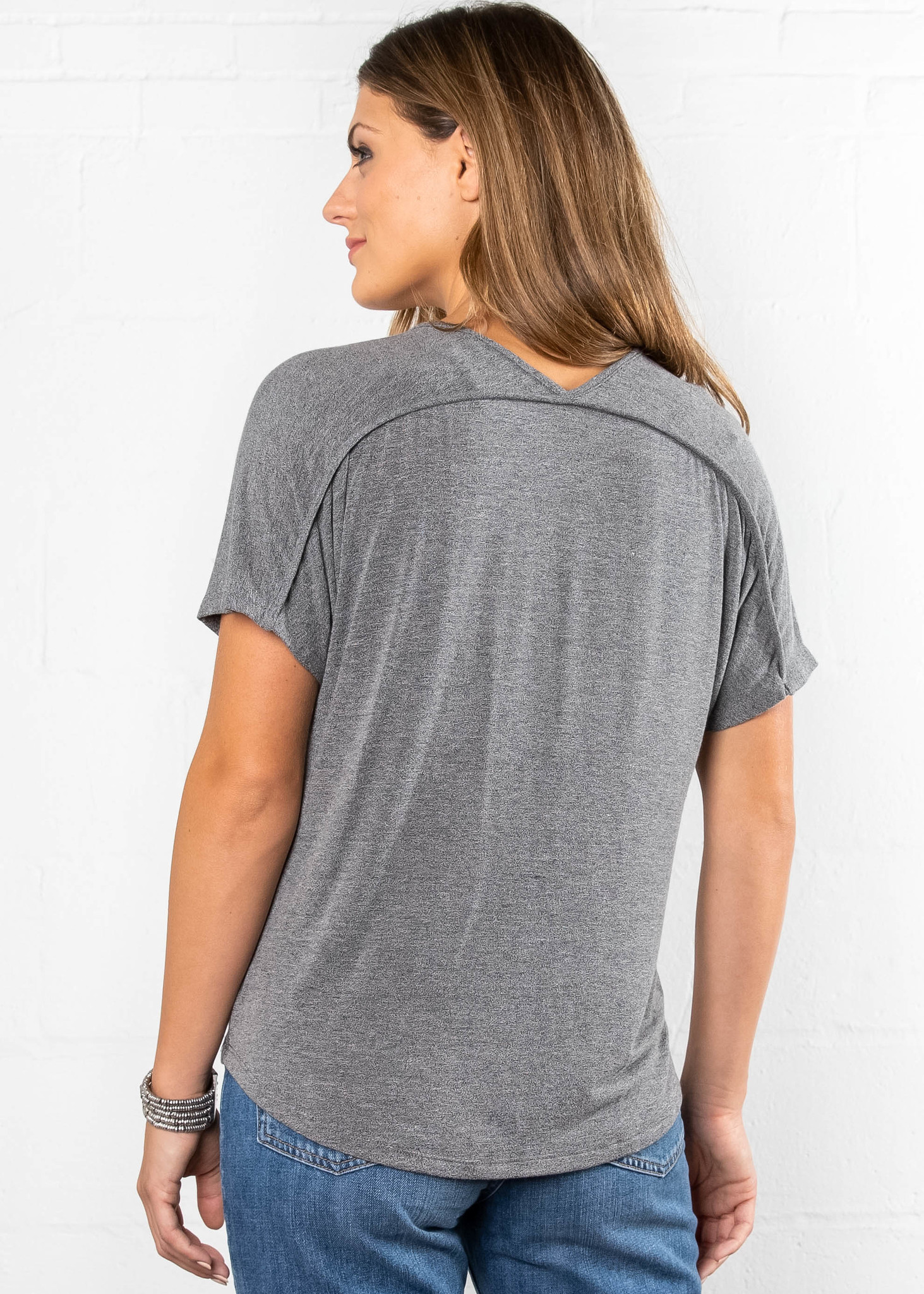 ATTENTION TO DETAIL TWIST TOP