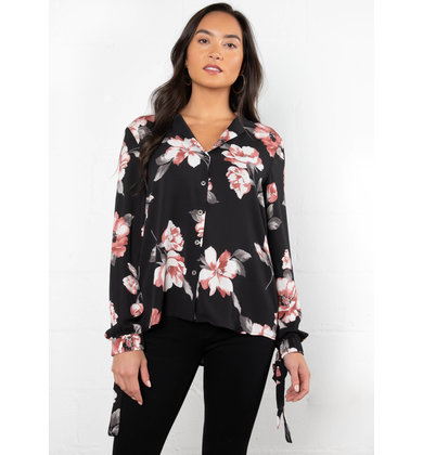 STARTING OVER FLORAL BLOUSE