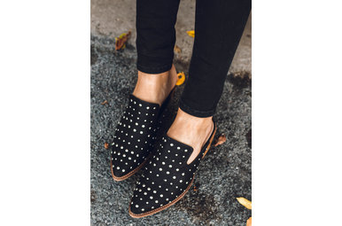 CITY NIGHTS STUDDED MULES