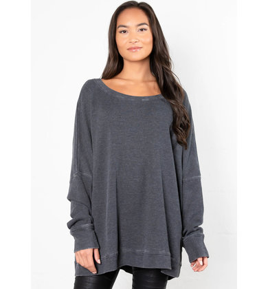 EXTRA MILE OVERSIZED TOP - BLACK