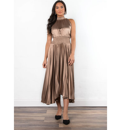 ELSA PLEATED DRESS - CHAMPAGNE