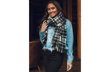 THIS TIME AROUND PLAID SCARF