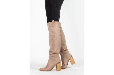 NOTEWORTHY HEELED BOOTS