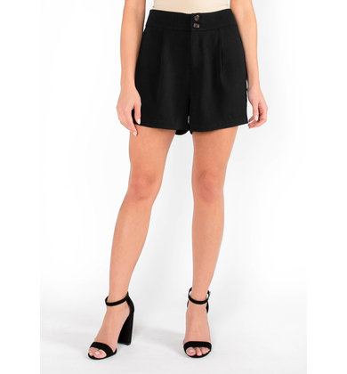 CHIC STATEMENT BLACK SHORTS