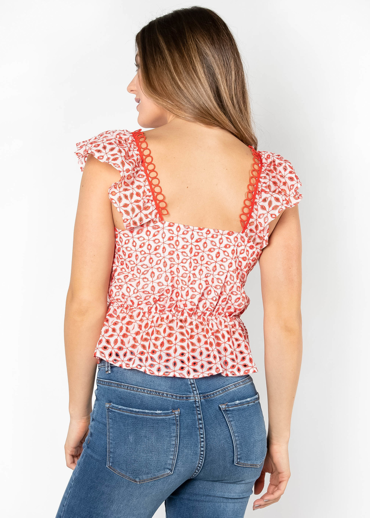 STEP INTO SPRING EYELET TOP