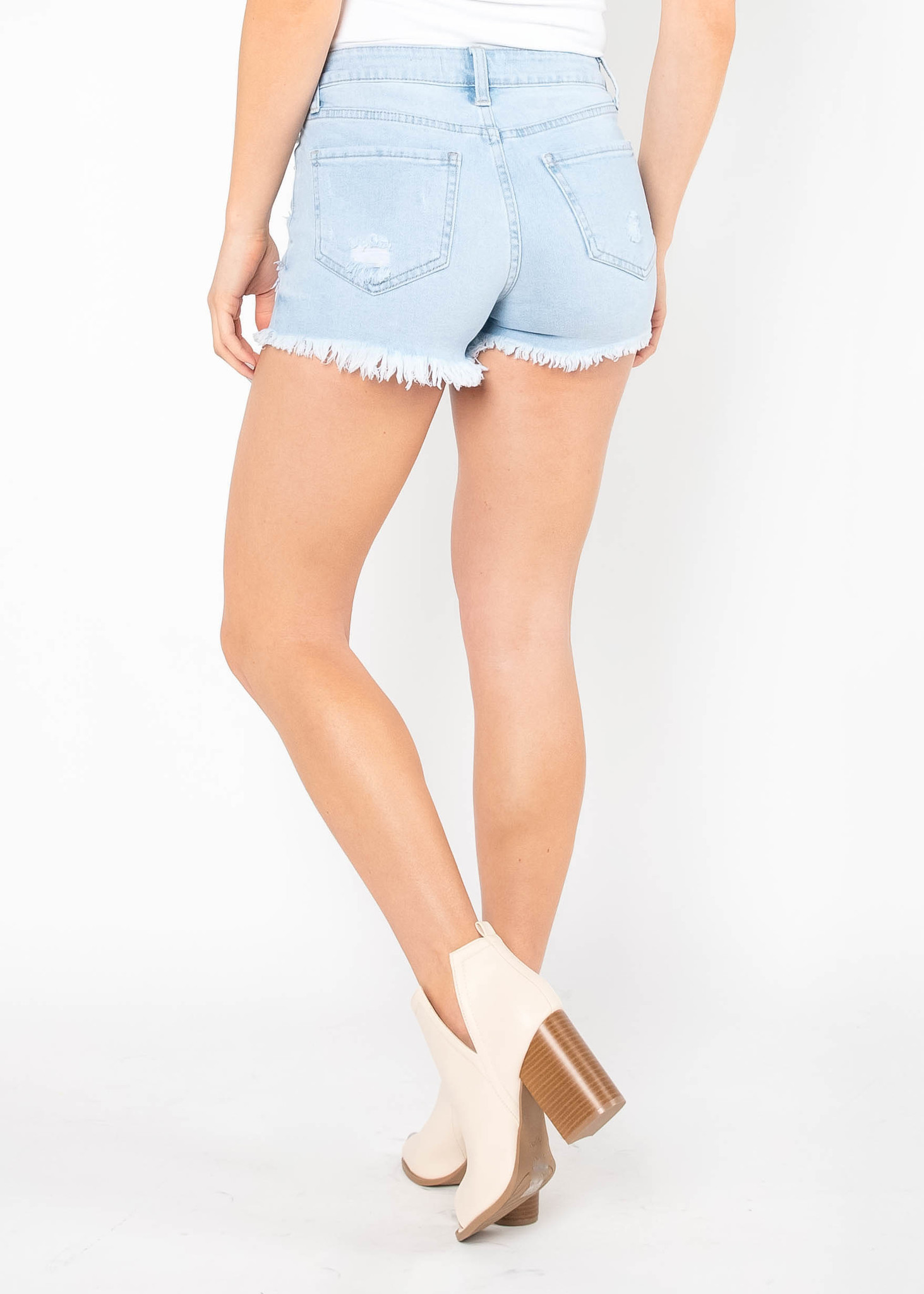 SUMMER STAPLE DENIM SHORTS