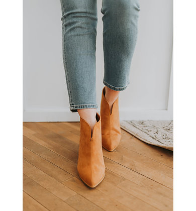 SKYSCRAPER HEELED BOOTIES - CAMEL