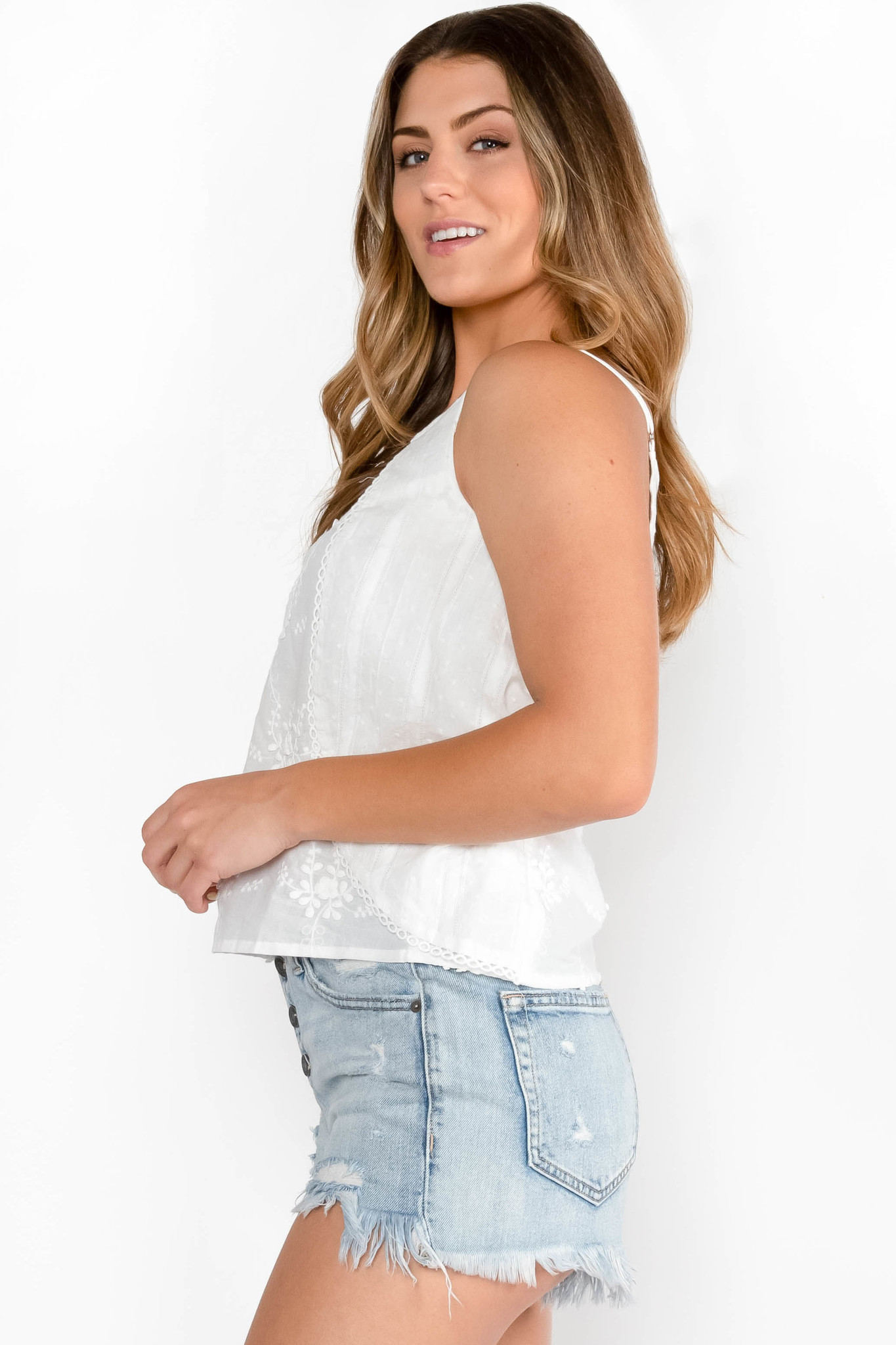 EVER AFTER WHITE LACE TANK TOP