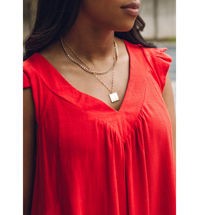 LOOKING SHARP NECKLACE