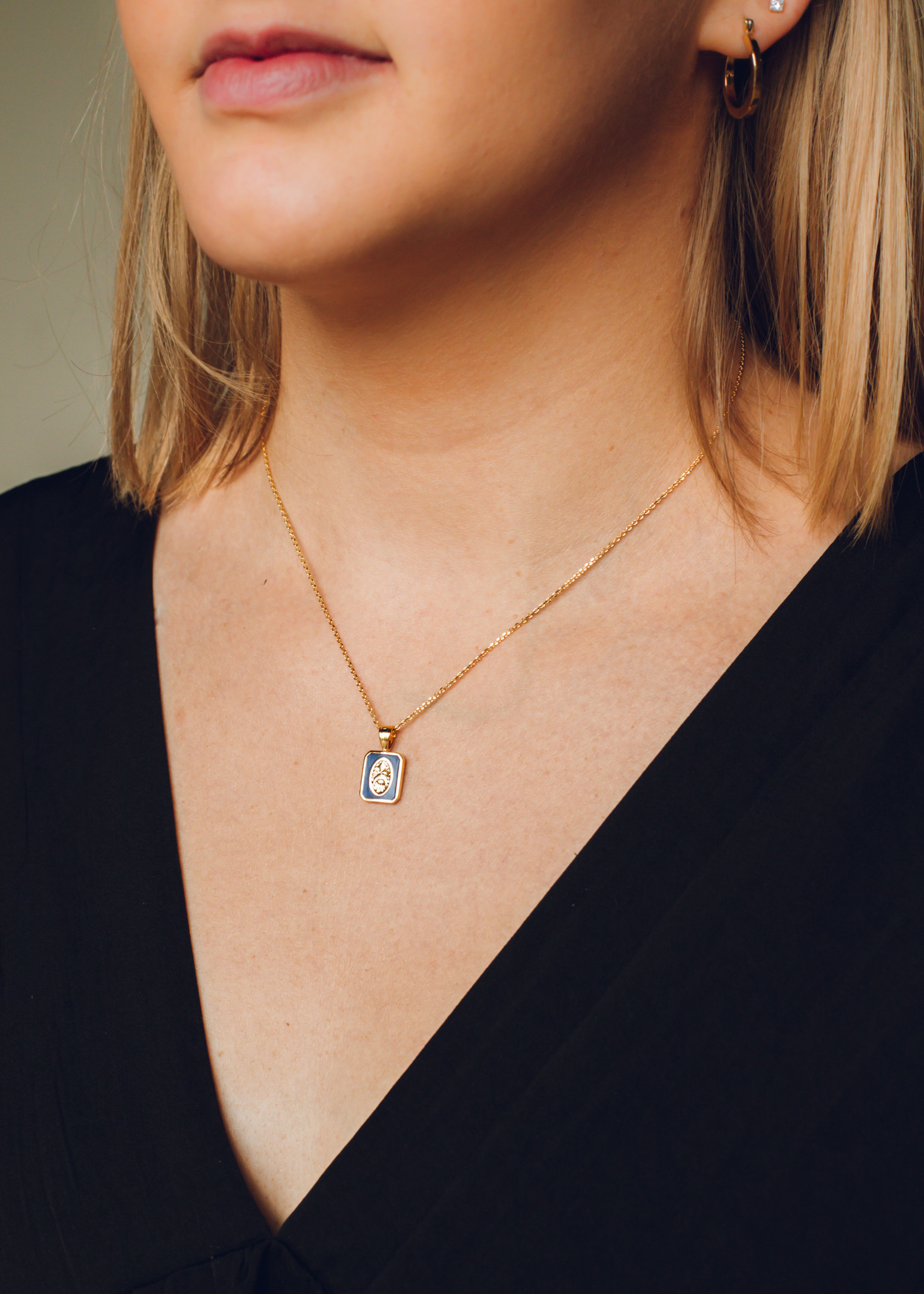 ROUTINE NECKLACE - NAVY