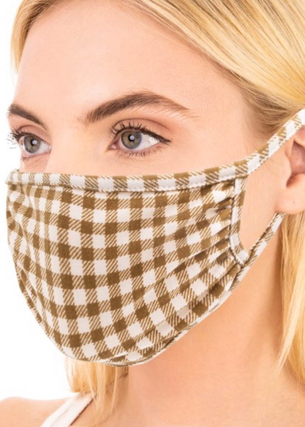CASSIDY PLAID FACE MASK